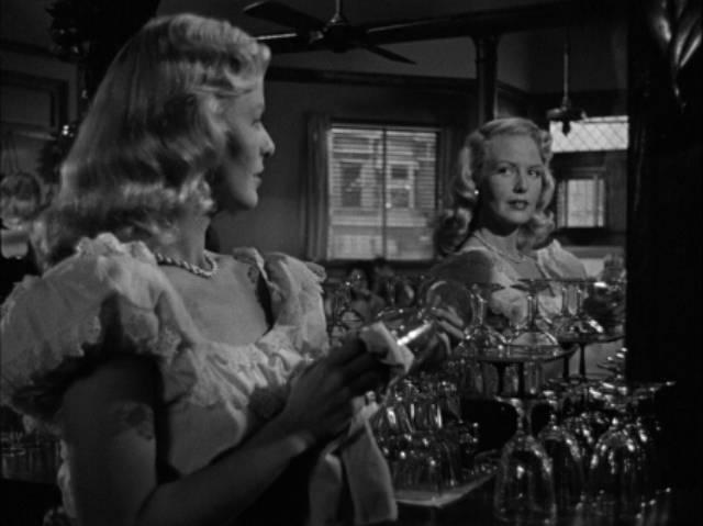 Paula Craig (Janis Carter) is more than a diner waitress Richard Wallace's Framed (1947)