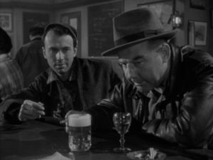 Undercover, Johnny Damico (Broderick Crawford) meets a potential ally in Tom Clancy (Richard Kiley) in Robert Parrish's The Mob (1951)