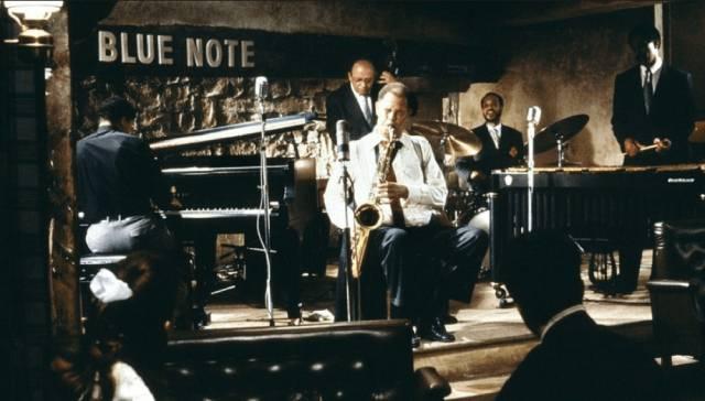 Dexter Gordon as an American jazz musician living in Paris in Bertrand Tavernier's Round Midnight (1986)
