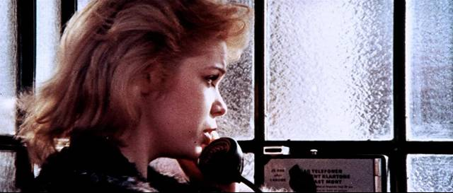 Model Paola Isabelle Marchall) knows too much and will soon die in Sergio Pastore's The Crimes of the Black Cat (1972)