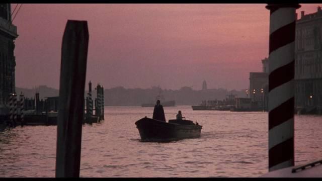 Professor Paris Catalano (Christopher Plummer) arrives in search of a vampire in Augusto Caminito's Nosferatu in Venice (1988)