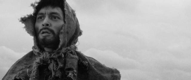 Kaji (Tetsuya Nakadai) stumbles through the winter landscape dreaming of reunion with Michiko (Michiyo Aratama) in Masaki Kobayashi's The Human Condition (1959-61)