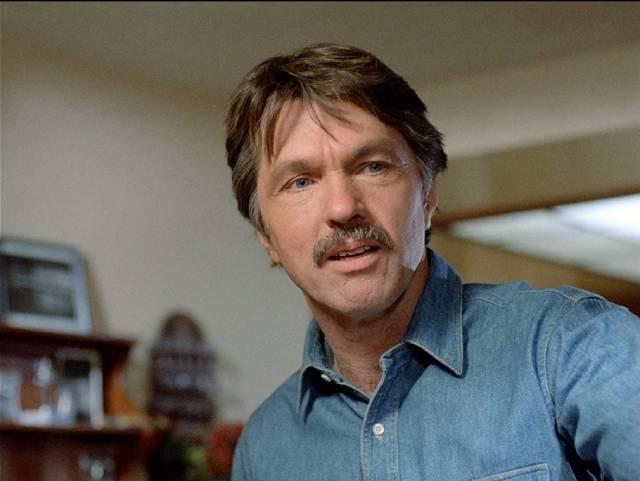 Detective Dan Stoner (Tom Skerrit) investigates the deaths of some models in William A. Graham's Calendar Girl Murders (1984)