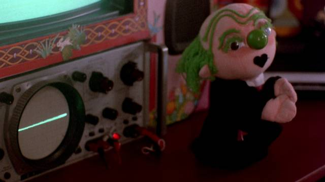 Puppet AI George is embroiled in unethical experiments in Henri Sala's Nightmare Weekend (1985)