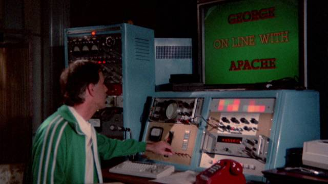 Dr. Brake (Wellington Meffert) uses his super-computer to reshape people's behaviour in Henri Sala's Nightmare Weekend (1985)