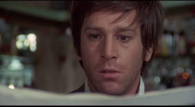 Fabio Santamaria (Enzo Cerusico) discovers he's a murder suspect in Vittorio Salerno's No, the Case is Happily Resolved (1973)