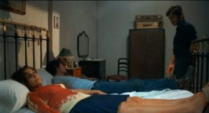 Bodies accumulate during Marcos (Vicente Parra)'s very bad week in Eloy de la Iglesia's The Cannibal Man (1972)