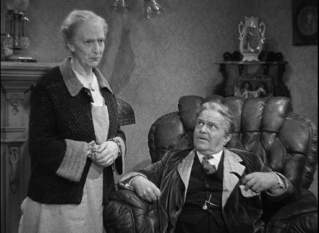Lucy (Beulah Bondi) and Bark (Victor Moore) tell their children that the bank has taken their home in Leo McCarey's Make Way for Tomorrow (1937)